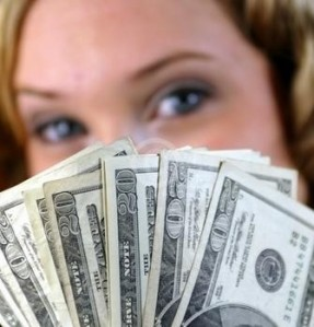 women_holding_money_face_2