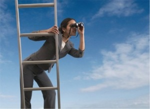 woman-climbing-success-ladder