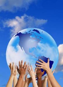 globe-hands-mini
